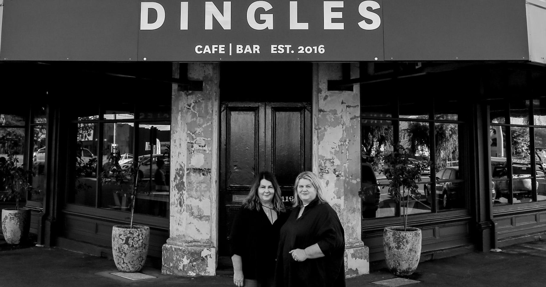 Dingles Cafe & Bar